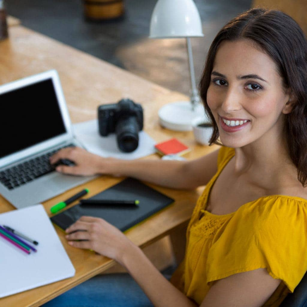 Web Design lächelnde Frau
